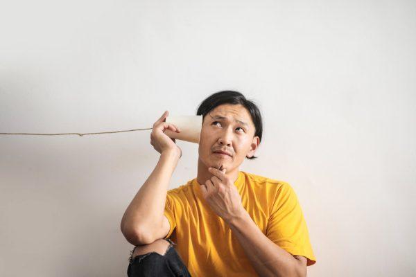 Een online gehoortest: een goede start om gehoorproblemen op te sporen